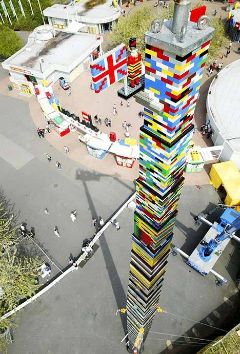 Visitors Help Build World's Tallest Lego Tower