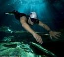 Venezuelan Swimmer Smashes Free Diving Record