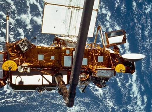 More Satellite Debris Freefalling To Earth This Weekend
