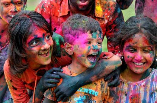 Indians Celebrate Holi - The Festival of Colors Kids News Article